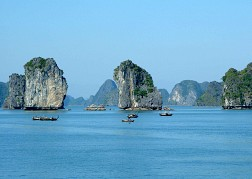 Du Lịch Hạ Long: Du Thuyền Hạ Long - Đảo Tuần Châu 3 Ngày 2 Đêm