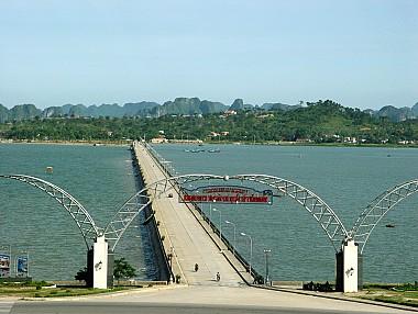 Hà Nội – Hạ Long – Tuần Châu – Bút Tháp – Bát Tràng – Hà Nội 3 Ngày