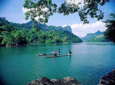 Tour Hà Nội - Hồ Ba Bể - Thác Bản Giốc - Động Ngườm Ngao - Hang Pác Pó