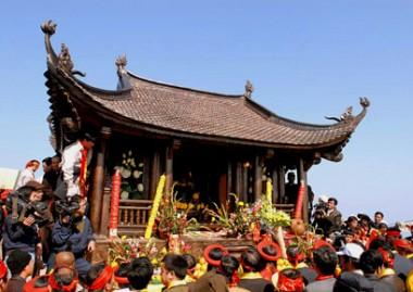 Khởi hành từ Hà Nội – Yên Tử - Hạ Long 2 Ngày 1 Đêm