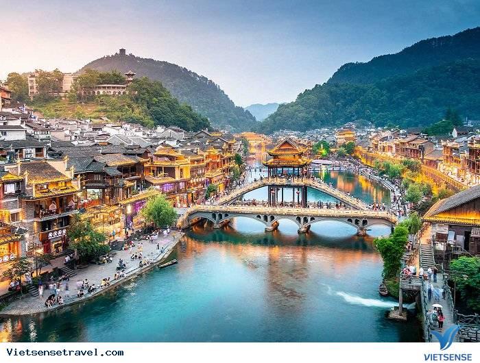 Tour Du Lịch Trương Gia Giới - Phù Dung Trấn - Phượng Hoàng Cổ Trấn - Hồ Bảo Phong (Đường Bay) - Ảnh 2
